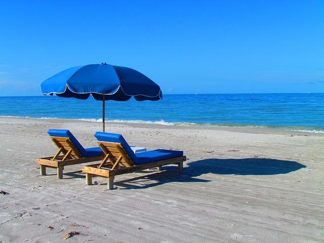 beach-382488_640
